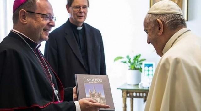 Francisco aprova o sínodo herético alemão, reformas condenadas pelo Santo João Paulo II