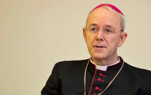Bispo Athanasius Schneider sobre as vacinas: