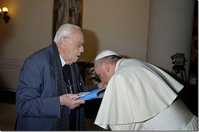 Padre Nuno Serras Pereira: O Celibato do Papa Francisco