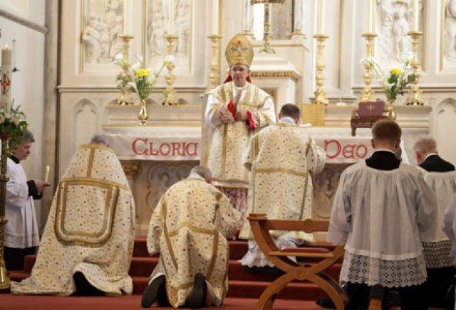 Dom Schneider: A crise da Igreja, uma tremenda confusão sobre doutrina e liturgia