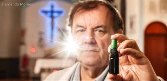 Padres do Fim dos Tempos: Padre Brasileiro prega maconha, e ainda diz que se Jesus estivesse aqui hoje, Ele também promoveria seu uso