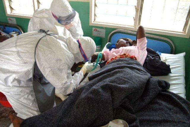 África: Virus mortal Ebola está fora de controle, alerta Médicos sem Fronteiras