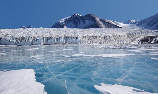 Fotos revelam degelo da Antártica durante calor recorde. O calor se assemelhou à temperatura da cidade americana de Los Angeles