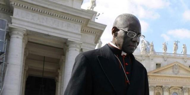 Cardeal Sarah: Altares da Basílica de São Pedro estão condenados à morte