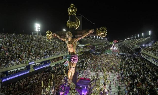 Desfile da Mangueira faz
